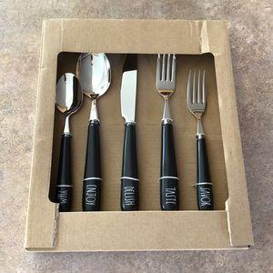 Rae Dunn flatware set